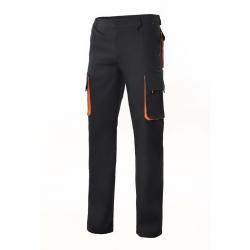 Calça bicolor multibolsos com reforço de tecido forrado