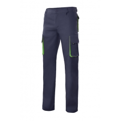 Calça bicolor multibolsos com reforço de tecido